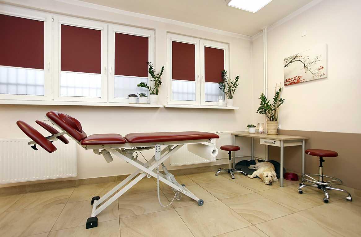 Biurko w gabinecie masażu w Starogardzie Gdańskim